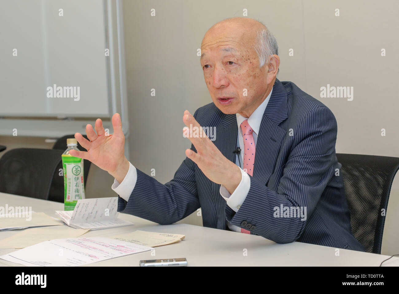 Tokyo, Japan. 6th June, 2019. Takakage Fujita, director general of a civil group dedicated to upholding and developing the well-known Murayama Statement, receives an interview with Xinhua in Tokyo, Japan, June 6, 2019. TO GO WITH:Interview: It is irresponsible of U.S. to wantonly wield tariff stick: Japanese expert Credit: Ma Caoran/Xinhua/Alamy Live News - Stock Image