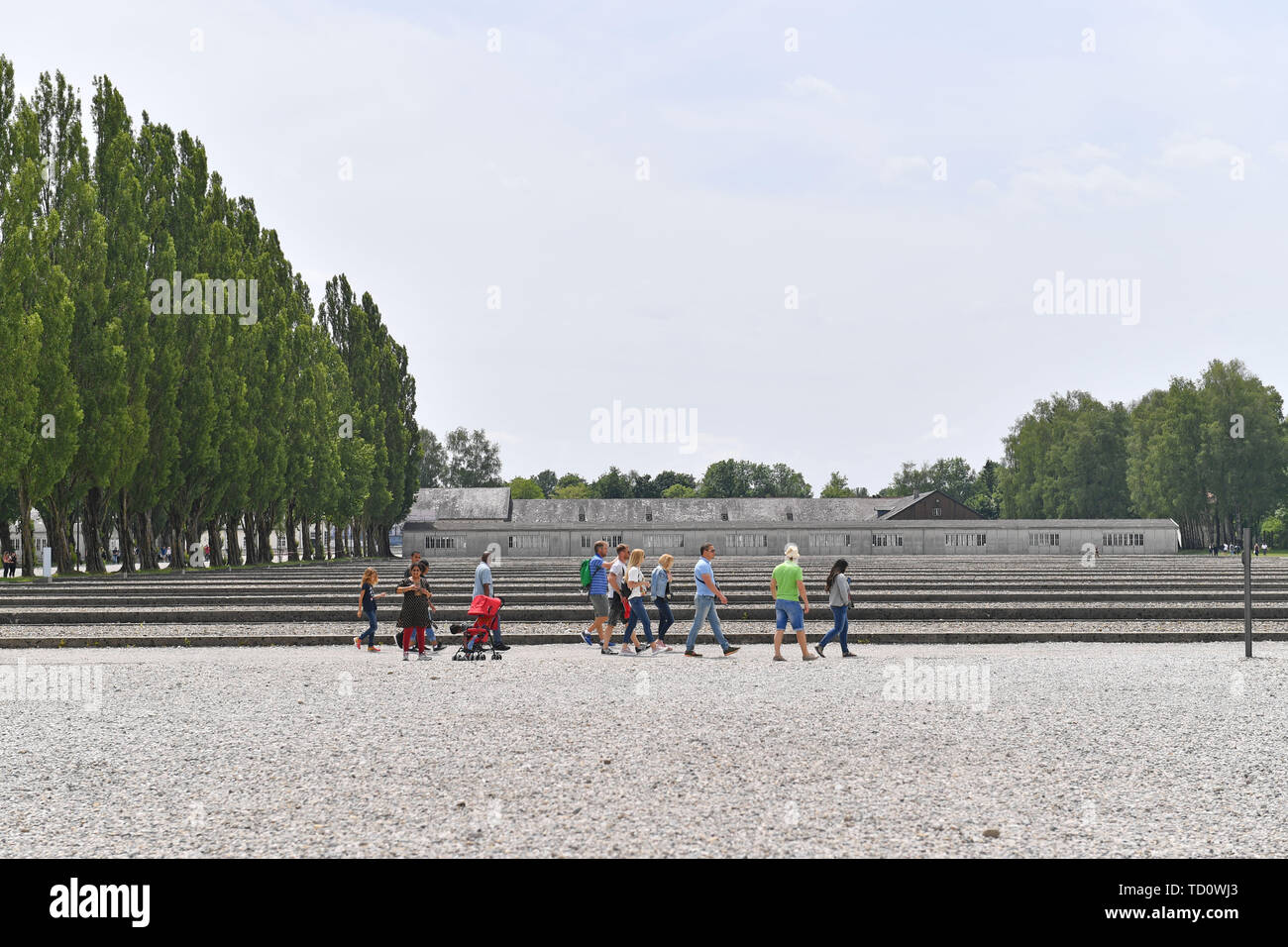 Dachau, Deutschland. 10th June, 2019. Visitors in the memorial concentration camp Dachau- Gedenkstaette. 1933, 1945, 3, antisewithism, exterminate, extermination, Bavaria, Dachau, deportation, German, German history, Germany, third, Europe, fascism, fascists, fascist, commemoration, memorial site, history, Jew, Jews, concentration camp, concentration camp, memorial, National Socialism, Nazi, Nazis, Nazi, Reich, Crime, Past, Annihilation, Extermination Camp Usual worldwide Credit: dpa/Alamy Live News - Stock Image