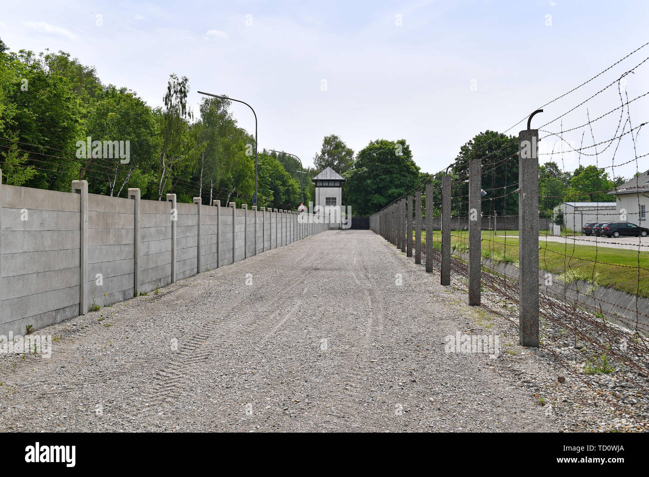 Dachau, Deutschland. 10th June, 2019. Watchtower, fence, wall in the memorial concentration camp Dachau- Gedenkstaette, 1933, 1945, 3, antisewithism, exterminate, extermination, Bavaria, Dachau, deportation, German, German history, Germany, third, Europe, fascism, fascists, fascist, commemoration, Memorial site, history, Jew, concentration camp, concentration camp, memorial, Nazism, Nazi, Nazi, Nazi, Reich, crime, past, extermination, extermination camp | usage worldwide Credit: dpa/Alamy Live News - Stock Image