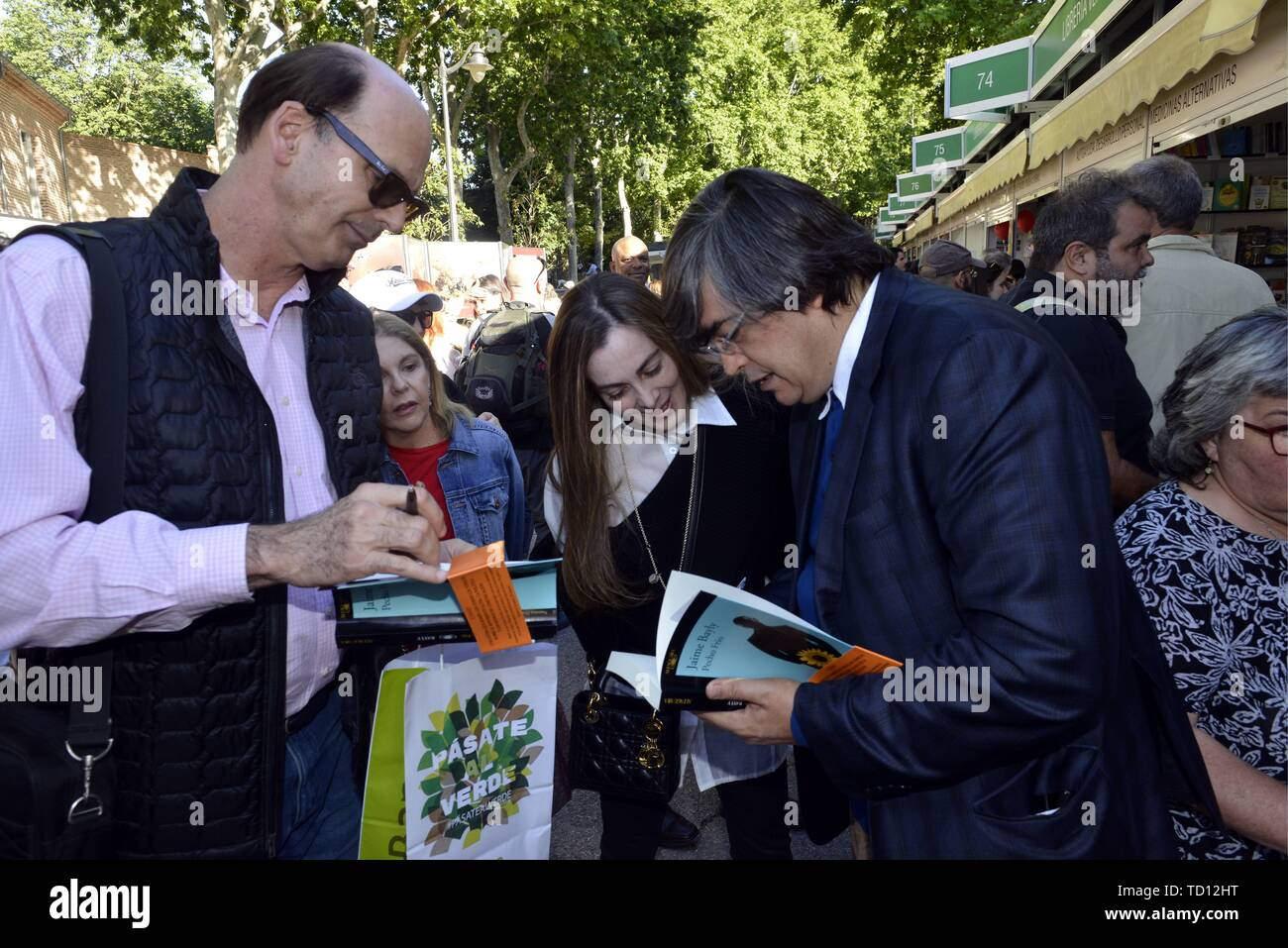 Page 3 Bayly High Resolution Stock Photography And Images Alamy Next jaime bayly entrevista al comediante cubano eddy calderón. https www alamy com madrid spain 11th june 2019 the writer jaime bayly during the book fair in madrid tuesday june 11 2019 credit cordon pressalamy live news image248959700 html