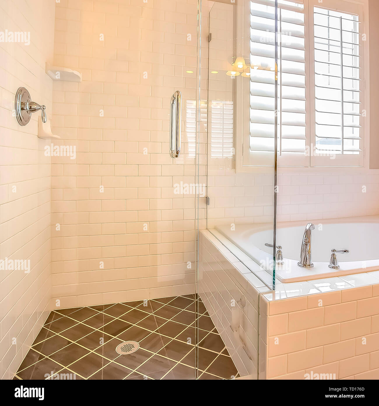 Square Built In Bathtub And Shower Stall With Glass Door