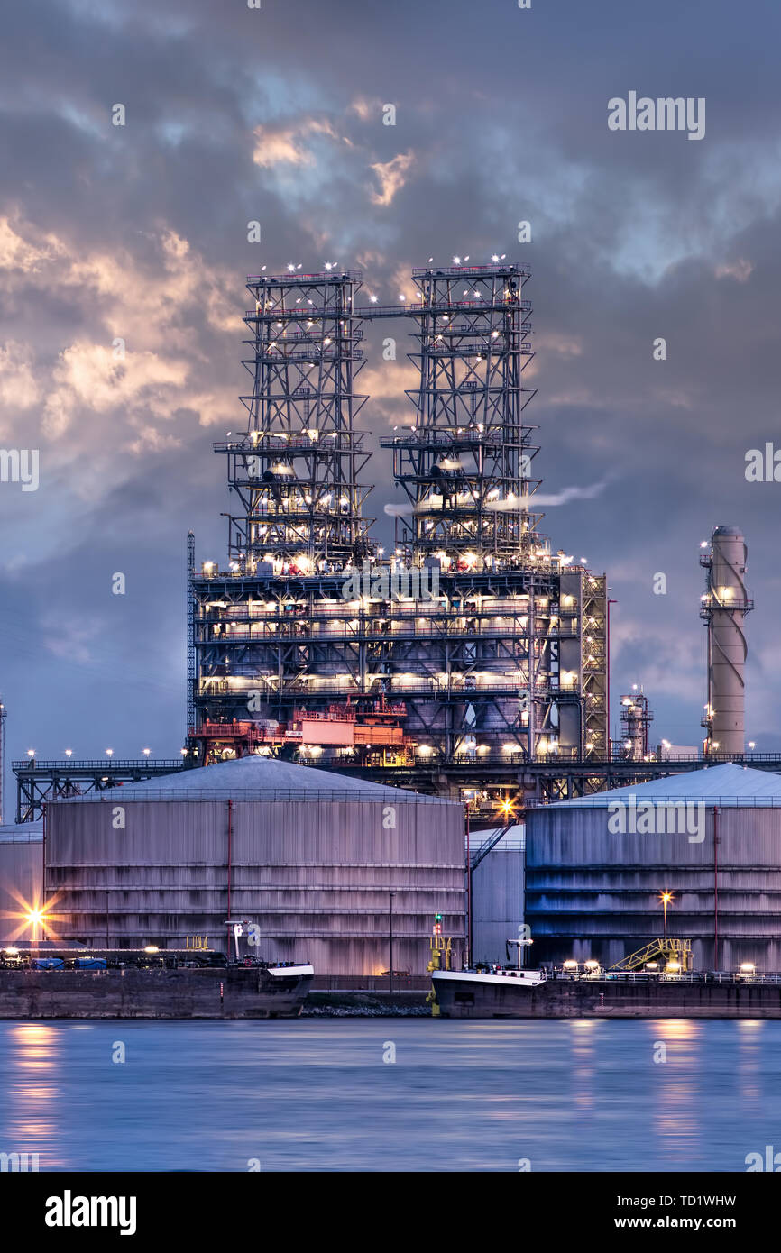 Petrochemical Industry Stock Photos & Petrochemical Industry Stock