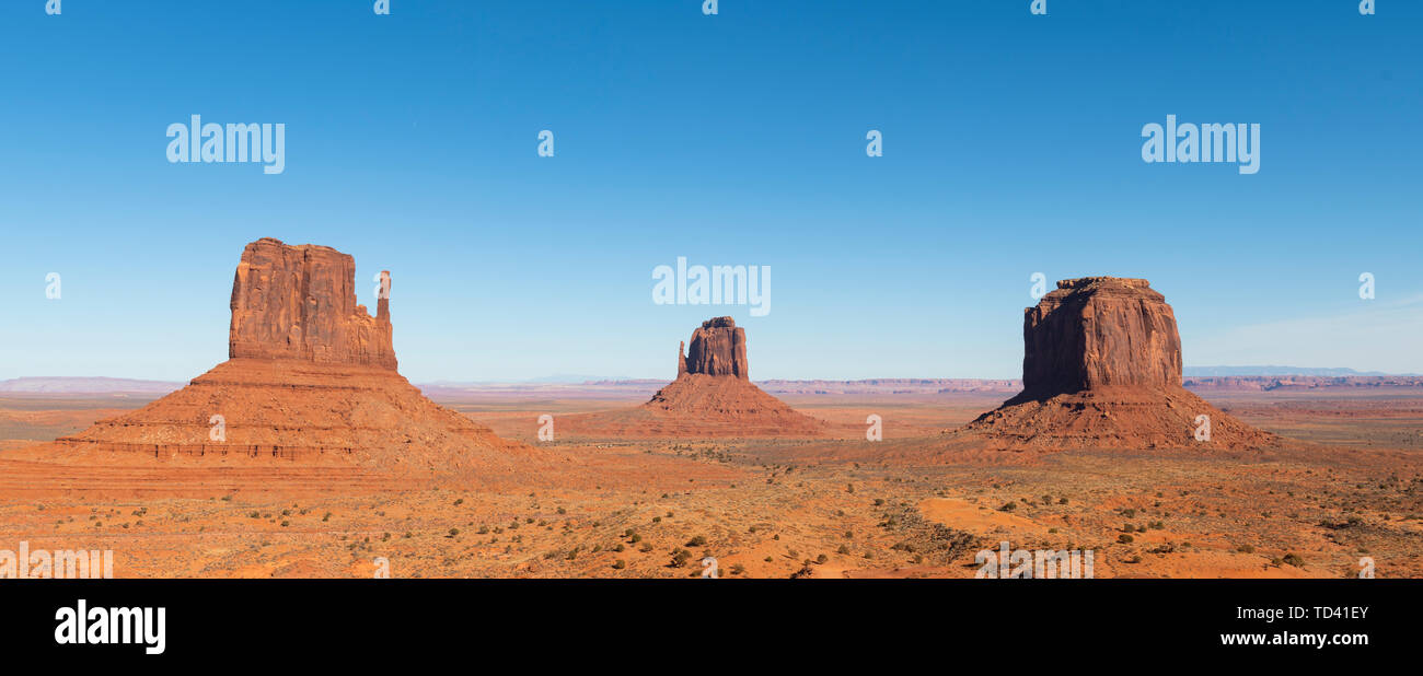 Sandstone buttes in Monument Valley Navajo Tribal Park on the Arizona-Utah border, United States of America, North America - Stock Image