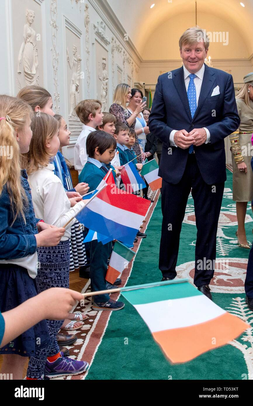 Dublin, Ireland. 12th June, 2019. King Willem-Alexander of The Netherlands are received by President Higgins and his wife Sabina Higgins at A_ras an Uachtara_in, the Presidential Palace in Dublin, on June 12, 2019, at the 1st of a 3 days State-visit to Ireland Photo : Albert Nieboer/ Netherlands OUT/Point de Vue OUT | Credit: dpa/Alamy Live News - Stock Image