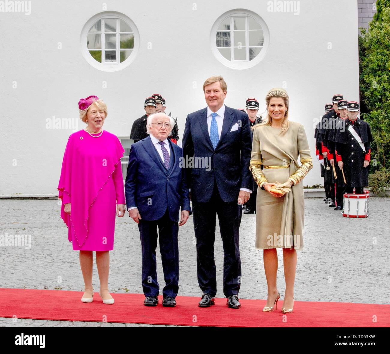 Dublin, Ireland. 12th June, 2019. King Willem-Alexander and Queen Maxima of The Netherlands received by President Higgins and his wife Sabina Higgins at A?ras an Uachtara?in, the Presidential Palace in Dublin, on June 12, 2019, at the 1st of a 3 days State-visit to Ireland Photo : Albert Nieboer/ Netherlands OUT/Point de Vue OUT | Credit: dpa/Alamy Live News - Stock Image