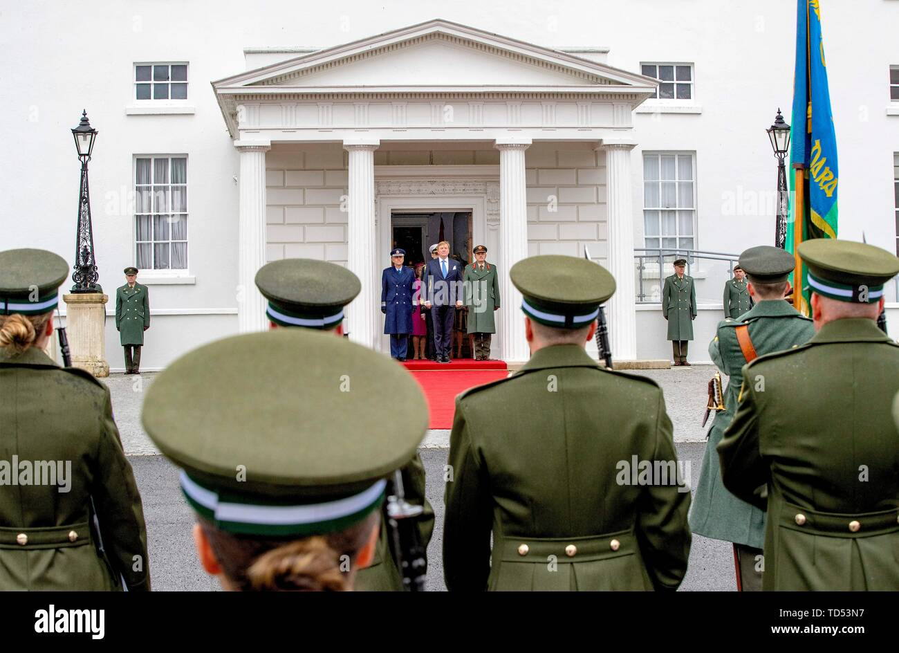 Dublin, Ireland. 12th June, 2019. King Willem-Alexander of The Netherlands received by President Higgins and his wife Sabina Higgins at A?ras an Uachtara?in, the Presidential Palace in Dublin, on June 12, 2019, during the welcome ceremony at the 1st of a 3 days State-visit to Ireland Photo : Albert Nieboer/ Netherlands OUT/Point de Vue OUT | Credit: dpa/Alamy Live News - Stock Image