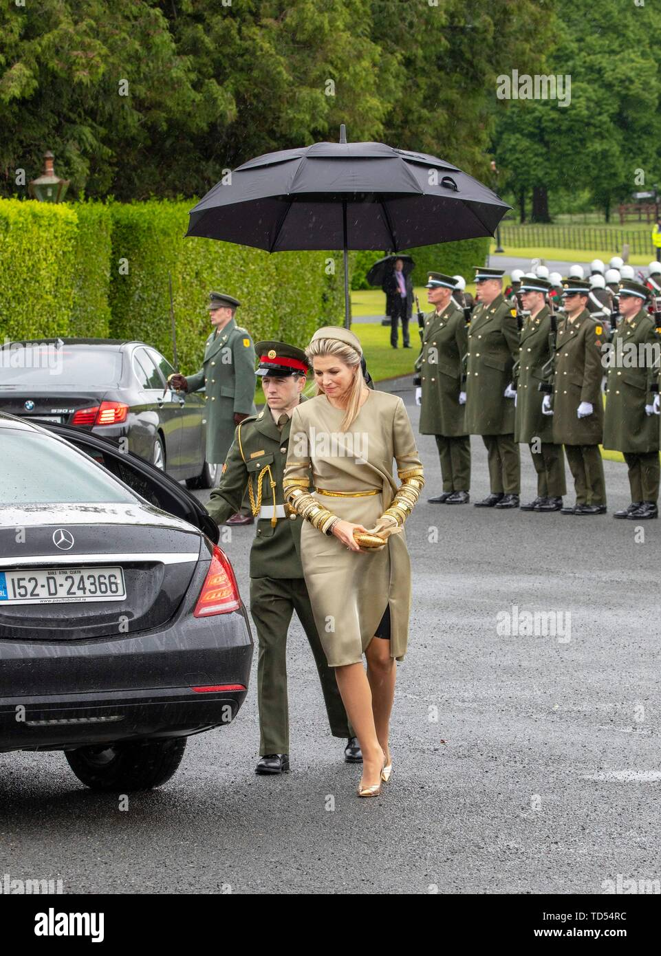 Dublin, Ireland. 12th June, 2019. Queen Maxima of The Netherlands are received by President Higgins and his wife Sabina Higgins at A_ras an Uachtara_in, the Presidential Palace in Dublin, on June 12, 2019, at the 1st of a 3 days State-visit to Ireland Photo : Albert Nieboer/ Netherlands OUT/Point de Vue OUT | Credit: dpa/Alamy Live News - Stock Image