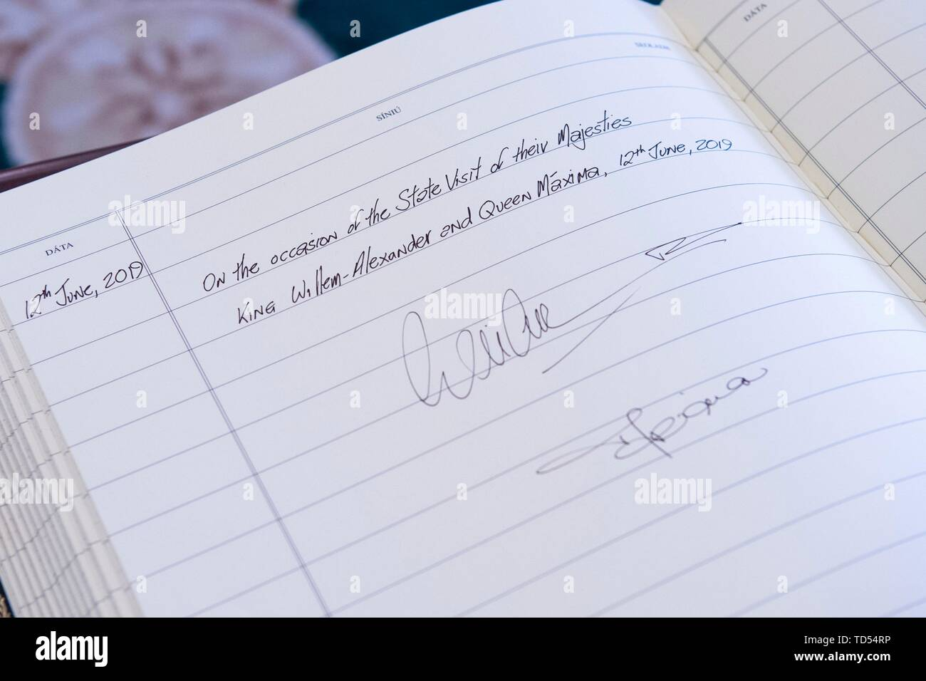 Dublin, Ireland. 12th June, 2019. King Willem-Alexander and Queen Maxima of The Netherlands are received by President Higgins and his wife Sabina Higgins at A?ras an Uachtara?in, the Presidential Palace in Dublin, on June 12, 2019, they signs the guestbook at the 1st of a 3 days State-visit to Ireland Photo : Albert Nieboer/ Netherlands OUT/Point de Vue OUT | Credit: dpa/Alamy Live News - Stock Image