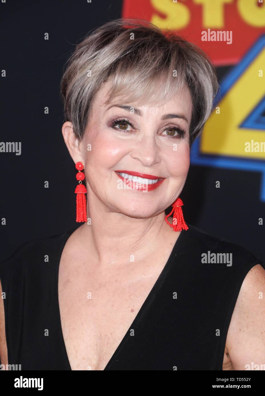 Hollywood, USA. 11th June, 2019. HOLLYWOOD, LOS ANGELES, CALIFORNIA, USA - JUNE 11: Actress Annie Potts arrives at the Los Angeles Premiere Of Disney And Pixar's 'Toy Story 4' held at the El Capitan Theatre on June 11, 2019 in Hollywood, Los Angeles, California, USA. (Photo by David Acosta/Image Press Agency) Credit: Image Press Agency/Alamy Live News - Stock Image