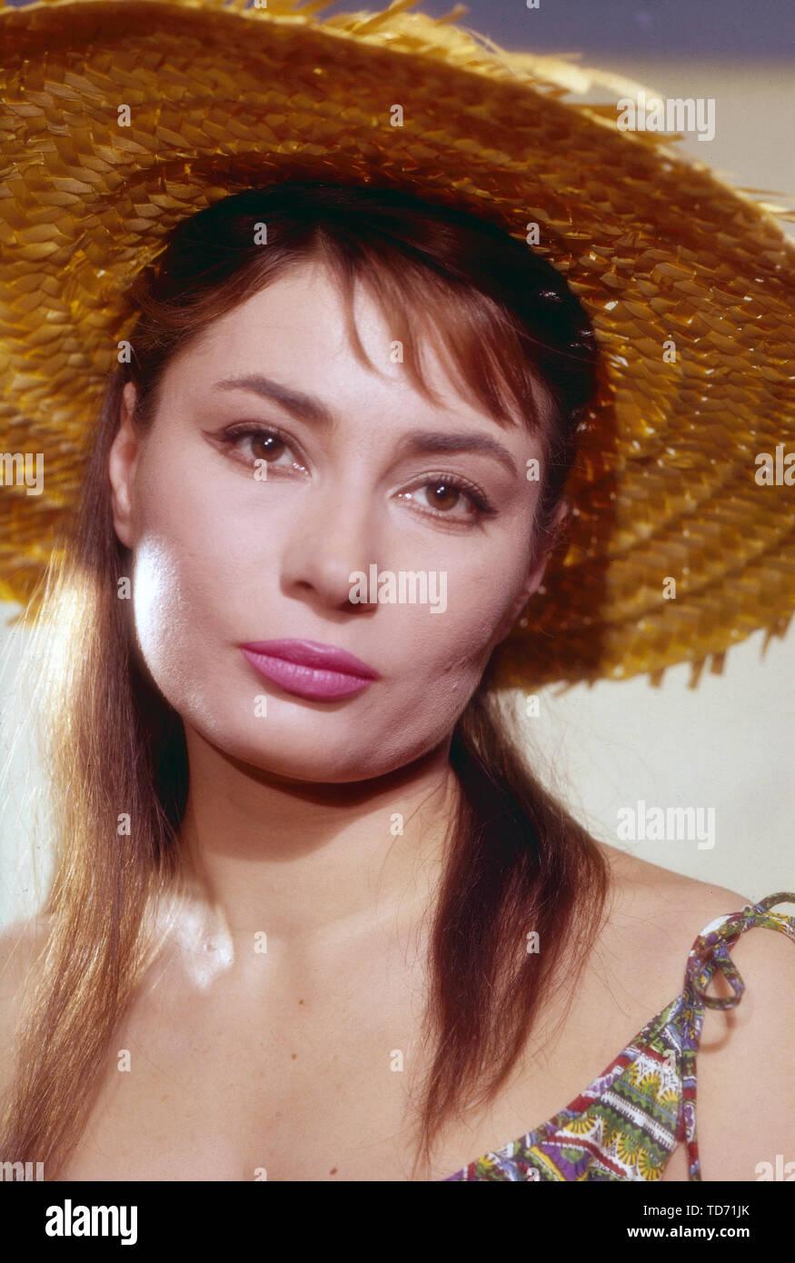 Violetta Ferrari, ungarische Sängerin und Schauspielerin, Deutschland ca. 1961. Hungarian singer and actress Violetta Ferrari, Germany ca. 1961. - Stock Image