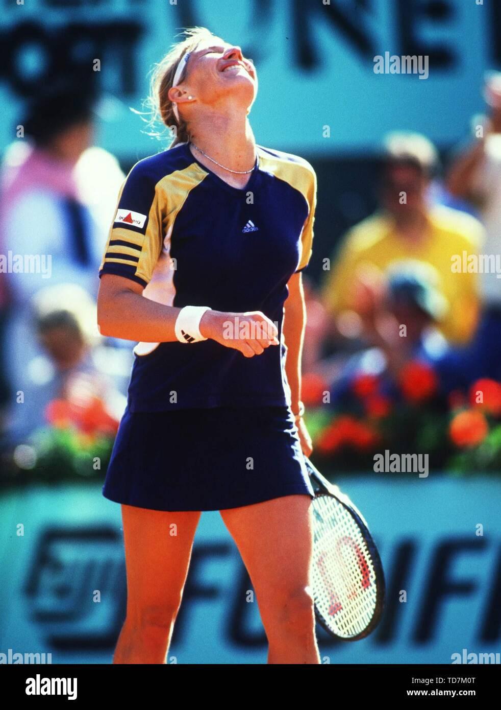 Paris, Frankreich. 10th Sep, 2015. Tennis: Paris French Open 05/1999 Steffi Stefanie Steffanie Graf Final Roland Garros jubilation on her 22 Grand Slam title | usage worldwide Credit: dpa/Alamy Live News - Stock Image