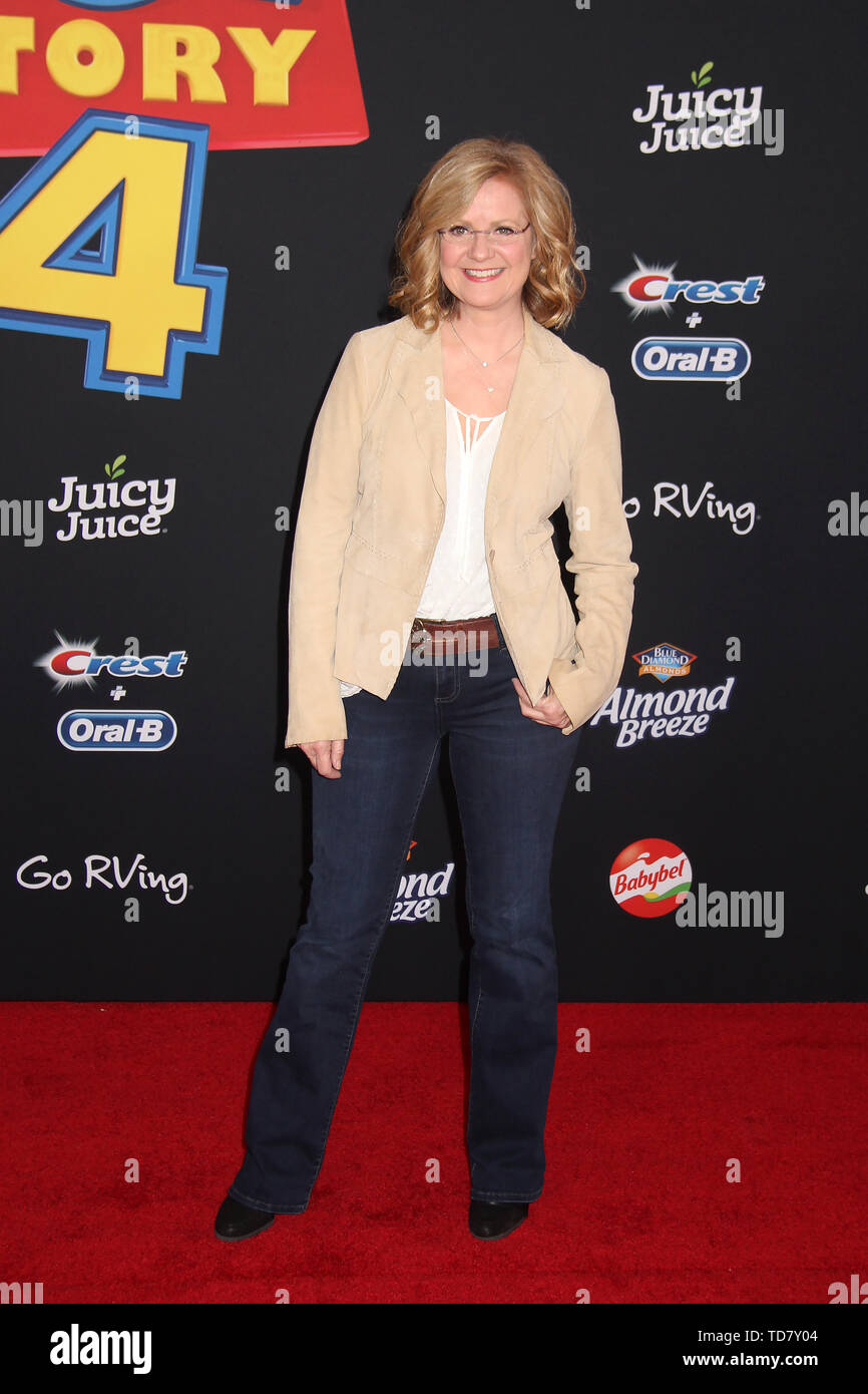 """Bonnie Hunt  06/11/2019 """"Toy Story 4"""" Premiere held at the El Capitan Theatre in Hollywood, CA   Photo: Cronos/Hollywood News - Stock Image"""