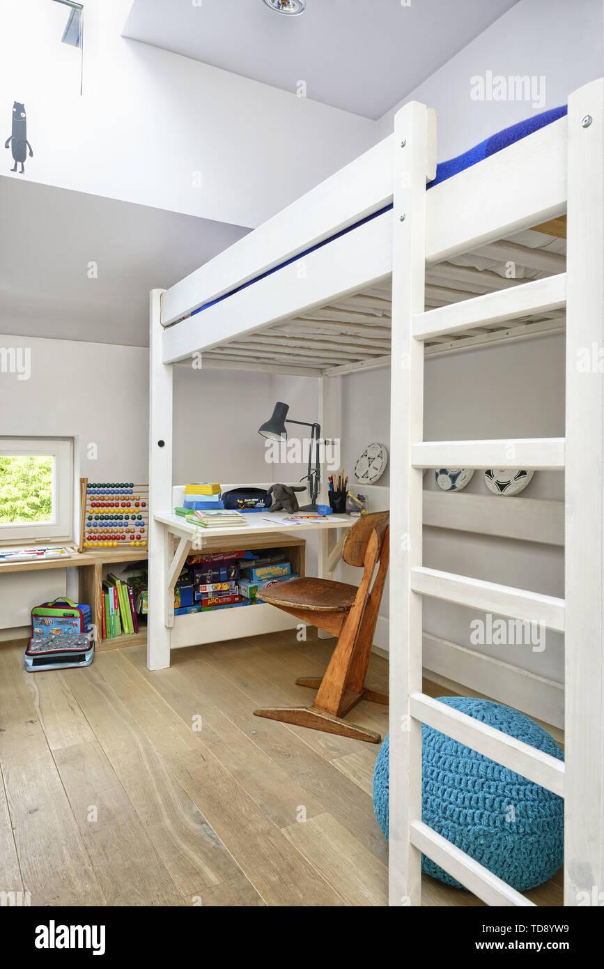 Desk Under Bunk Bed In Teen Bedroom Uk Irish Use Only Stock Photo Alamy