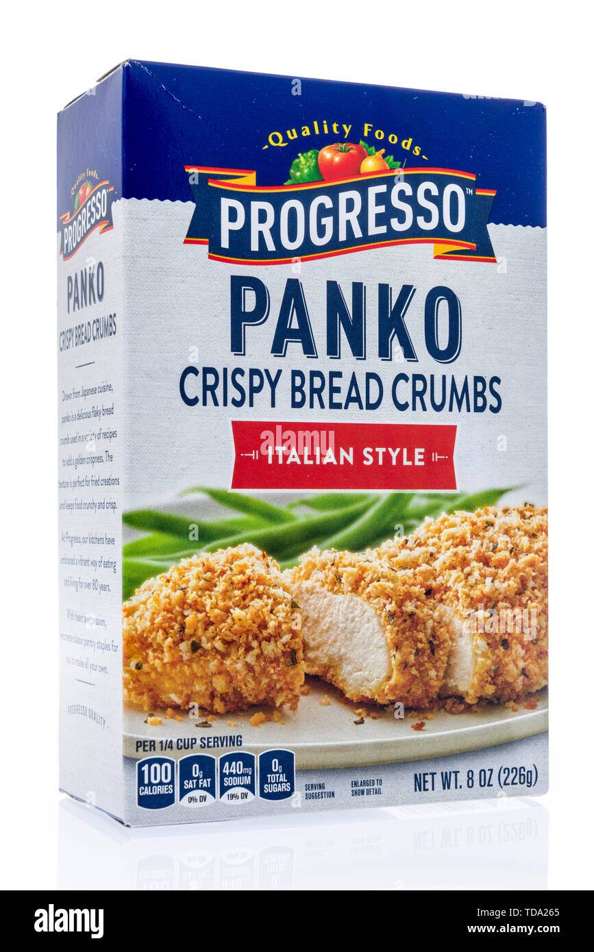Winneconne, WI - 11 May 2019 : A package of Progresso panko crispy bread crumbs on an isolated background - Stock Image