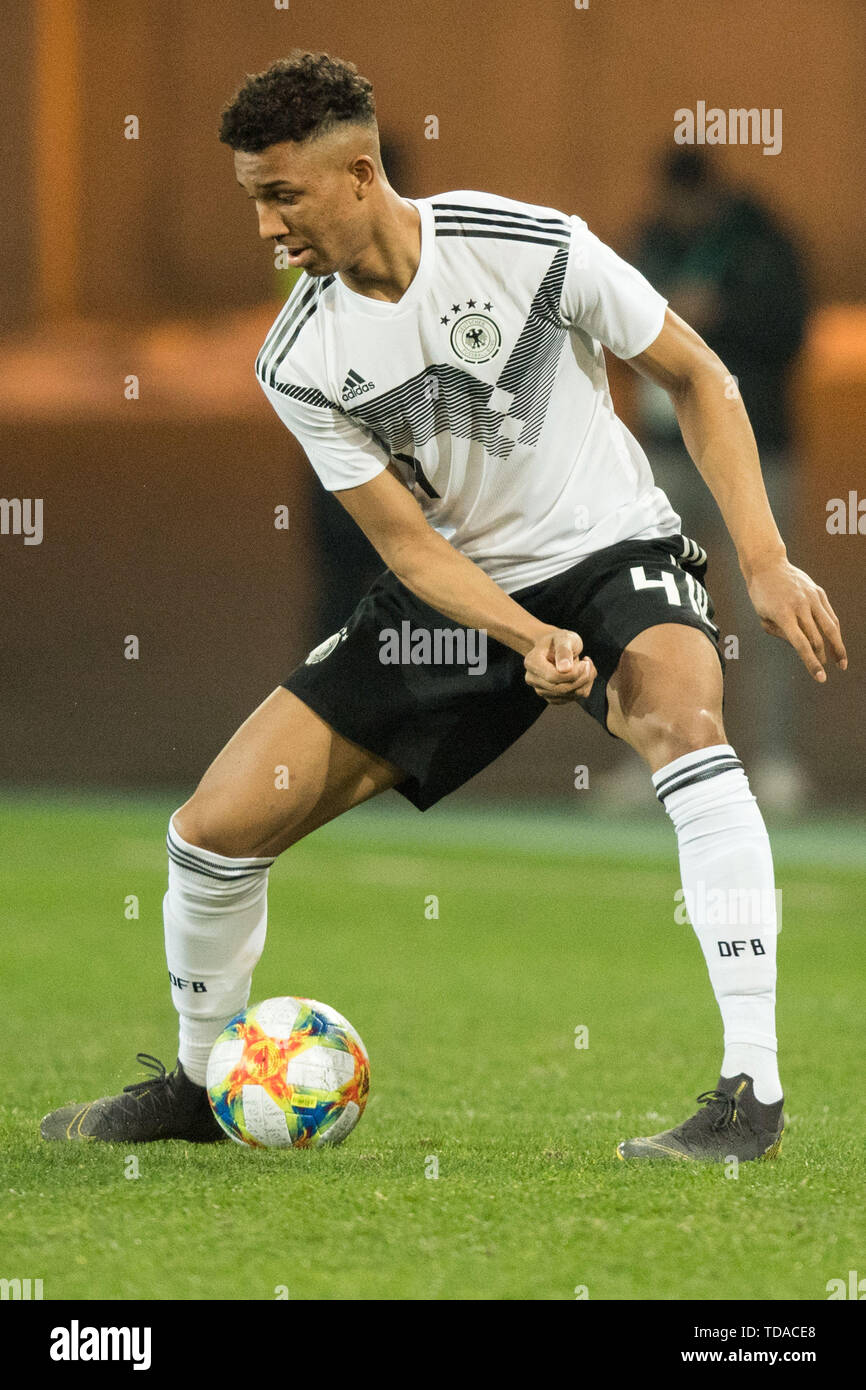 Preview UEFA Under21 European Championship in Italy/SanMarino from 16.-30.06.2019. Archive photo: Felix UDUOKHAI (GER) with Ball, Single action with Ball, Action, Full figure, upright, Soccer Laender, U21, Friendly match, Germany (GER) - France ( FRA) 2: 2, on 21.03.2019 in Essen/Germany. å | usage worldwide - Stock Image