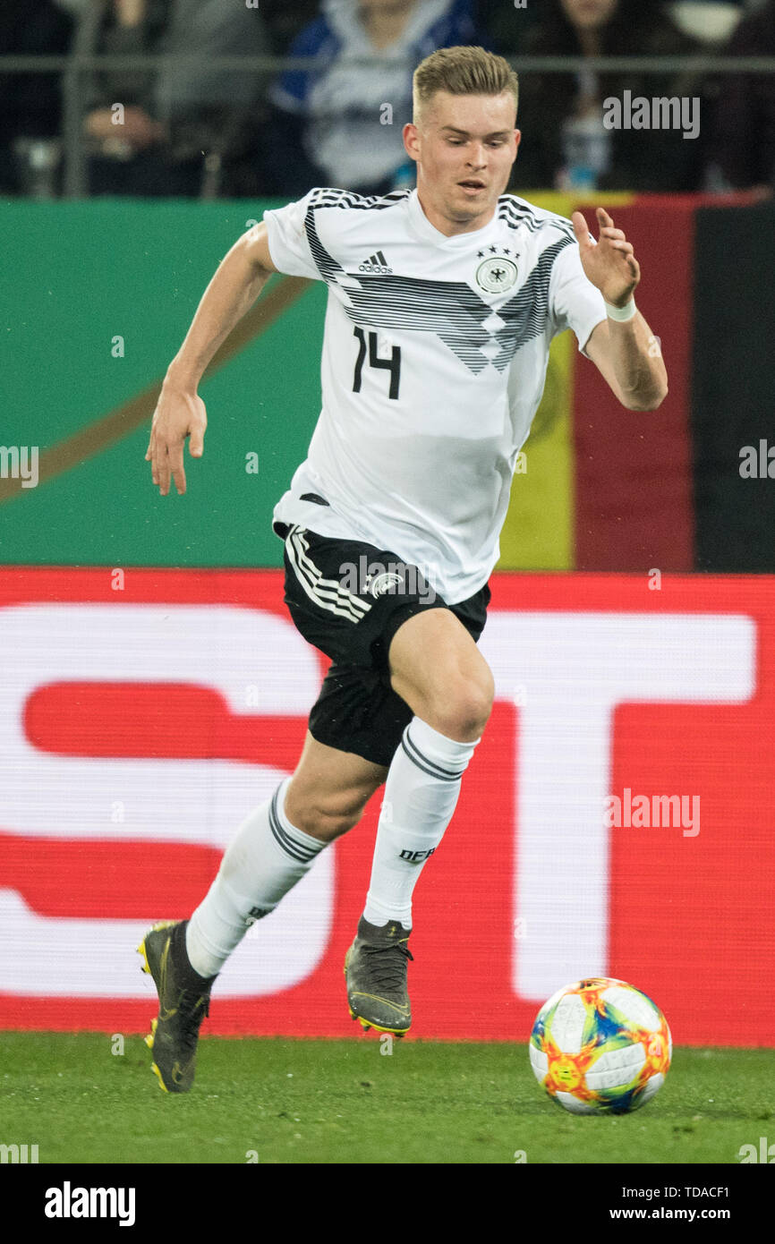 Preview UEFA Under21 European Championship in Italy/SanMarino from 16.-30.06.2019. Archive Photo: Maximilian MITTELSTAEDT (withtelstÌÛdt, GER) with Ball, Single Action with Ball, Action, Full Body, Portrait, Soccer Laender, U21, Friendly Match, Germany (GER) - France (FRA) 2: 2, on the 21.03.2019 in Essen/Germany. å | usage worldwide - Stock Image