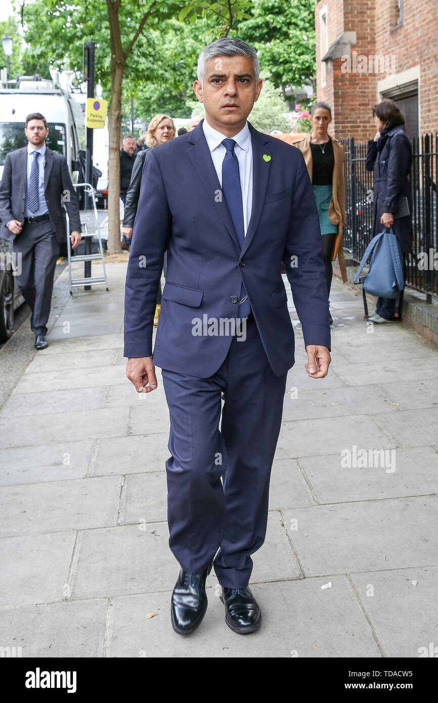 North Kensington, West London. UK 14 Jun 2019 - London's Mayor Sadiq Khan arrive at St Helen's Church to commemorate the second anniversary of the Grenfell Tower fire service. On 14 June 2017, just before 1:00Êam a fire broke out in the kitchen of the fourth floor flat at the 24-storey residential tower block in North Kensington, West London, which took the lives of 72 people. More than 70 others were injured and 223 people escaped  Credit: Dinendra Haria/Alamy Live News - Stock Image