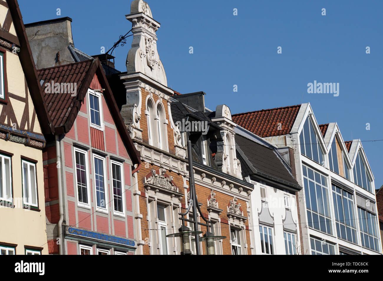 unterschiedliche Giebel vom Mittelalter bis zur Neuzeit, Uelzen, Niedersachsen, Deutschland - Stock Image