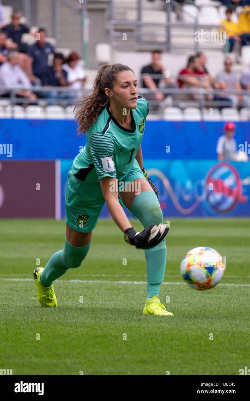 Sydney Schneider