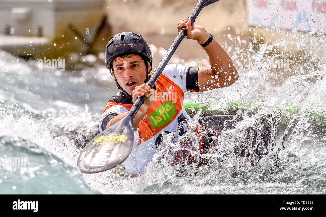 London, UK. 14th June, 2019. Timothy Anderson of Australia in the WK1 Men's Kayak at the 2019 ICF CANOE SLALOM WORLD CUP at at Lee Valley White Water Centre, London, United Kingdom on 15 June 2019. Photo by Phil Hutchinson. Editorial use only, license required for commercial use. No use in betting, games or a single club/league/player publications. Credit: UK Sports Pics Ltd/Alamy Live News - Stock Image