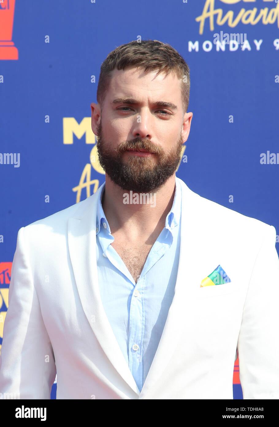SANTA MONICA, CA - JUNE15: Dustin Milligan, at the 2019 MTV Movie & TV Awards sponsored by M&M's, MTN DEW, Taco Bell®, and truth at Barker Hangar in Santa Monica, California on June 15, 2019. Credit: Faye Sadou/MediaPunch Stock Photo