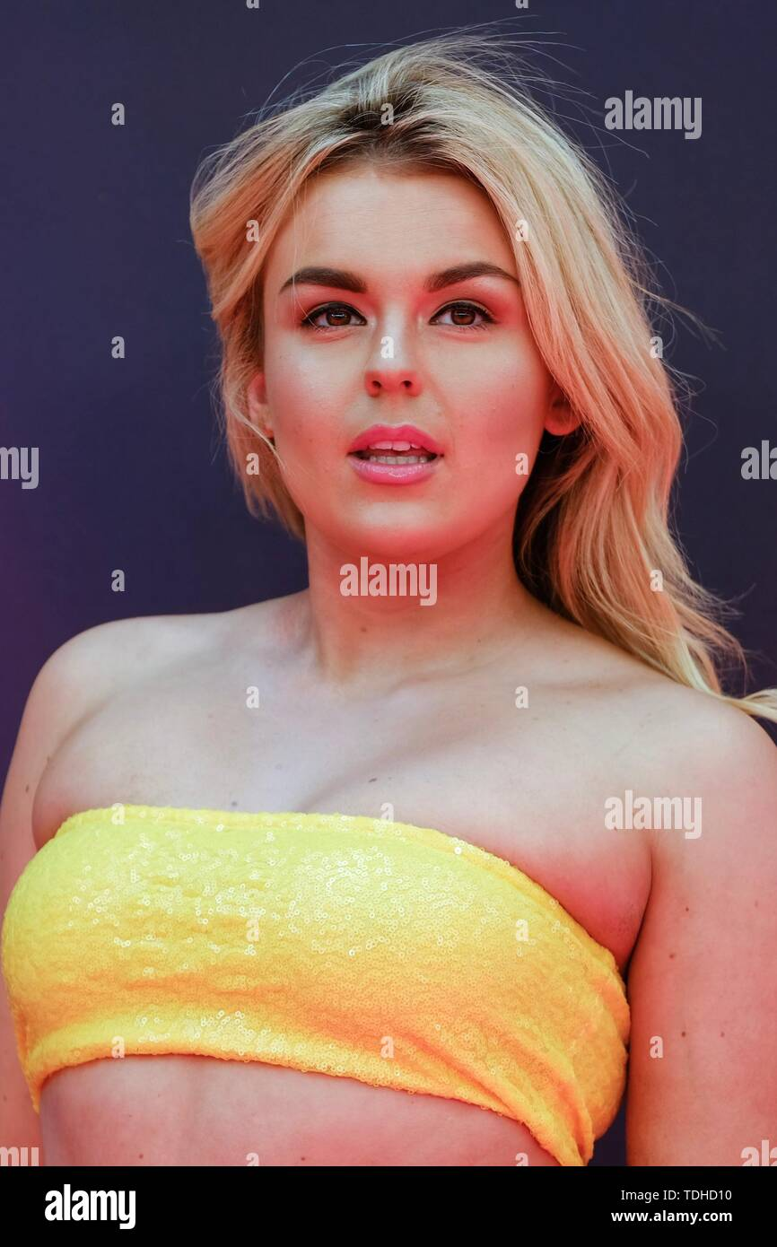 London, UK. 16th June 2019. Tallia Storm poses on the red carpet for the European premiere of Toy Story 4 held at the Odeon Luxe, Leicester Square, London on Sunday, Jun. 16, 2019 . Credit: Julie Edwards/Alamy Live News - Stock Image