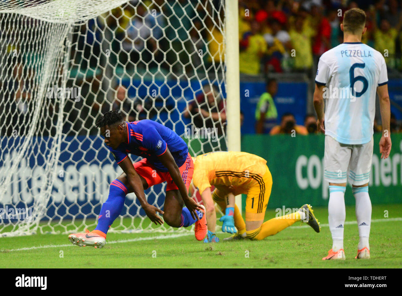 15th June 2019, Arena Fonte Nova, Salvador, Bahia, Brazil; Copa America International Football tournament, Argentina versus Colombia;  Duván Zapata of Colombia celebrates his goal as he leaps over the Argentine keeper - Stock Image