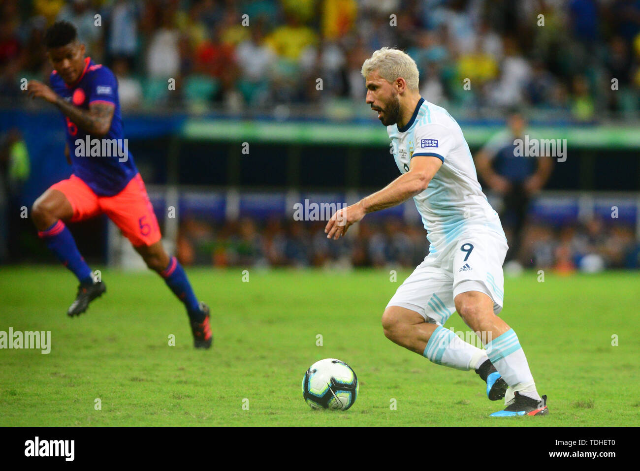 15th June 2019, Arena Fonte Nova, Salvador, Bahia, Brazil; Copa America International Football tournament, Argentina versus Colombia;  Sergio Agüero of Argentina breaks towards goal with the ball - Stock Image