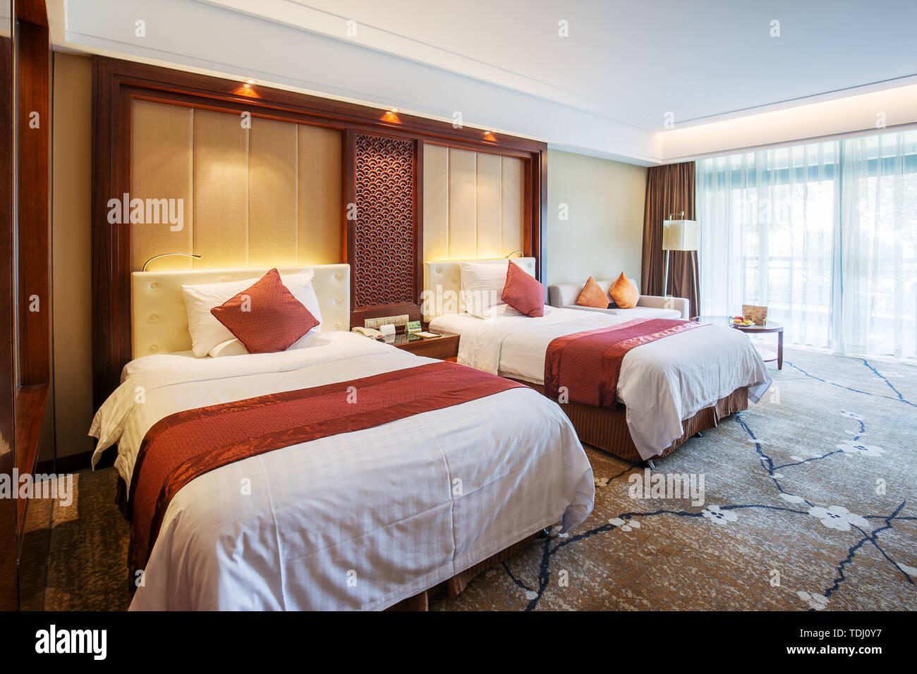 A Modern Twin Bedroom Stock Photo Alamy