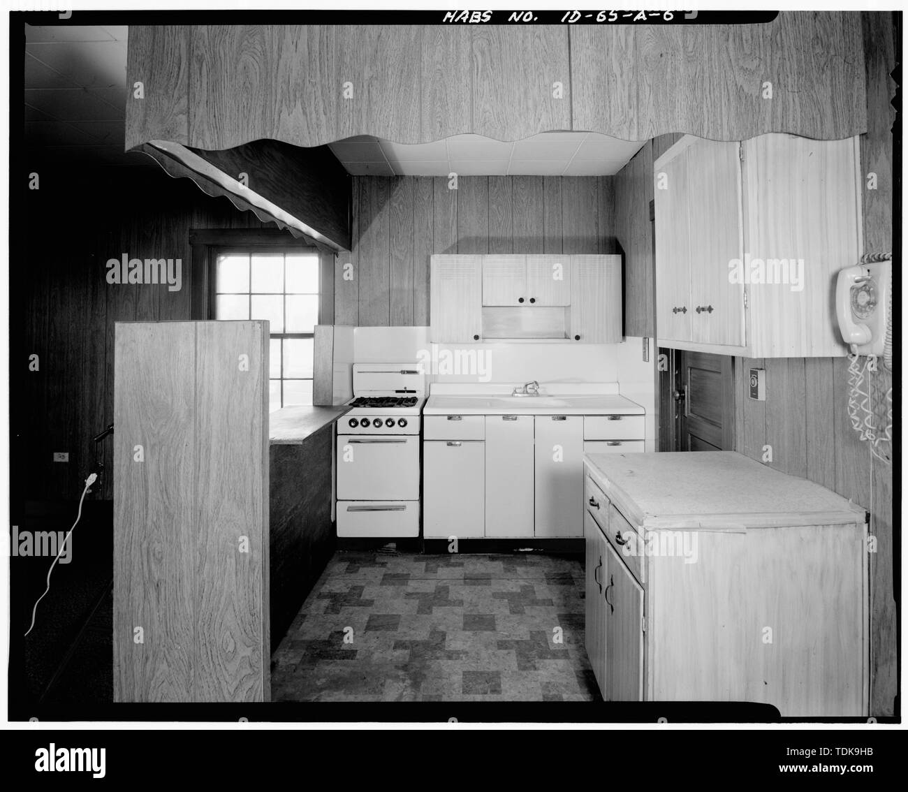 Office (Building 1201), living room, looking north, detail of kitchen and counter installed in 1966-1967. - Buffalo Guard Station, Office, U.S. Highway 20-191 at Buffalo River, Island Park, Fremont County, ID - Stock Image