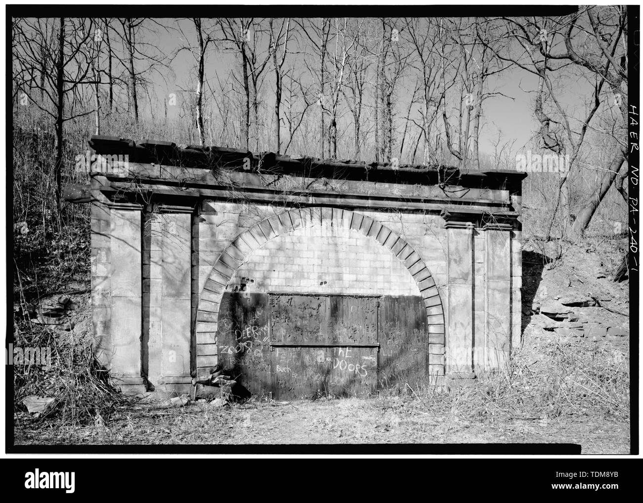 PERSPECTIVE VIEW OF SOUTH PORTAL - Allegheny Portage Railroad, Staple Bend Tunnel, Conemaugh Borough, East of Conrail Bridge, Geistown, Cambria County, PA Stock Photo