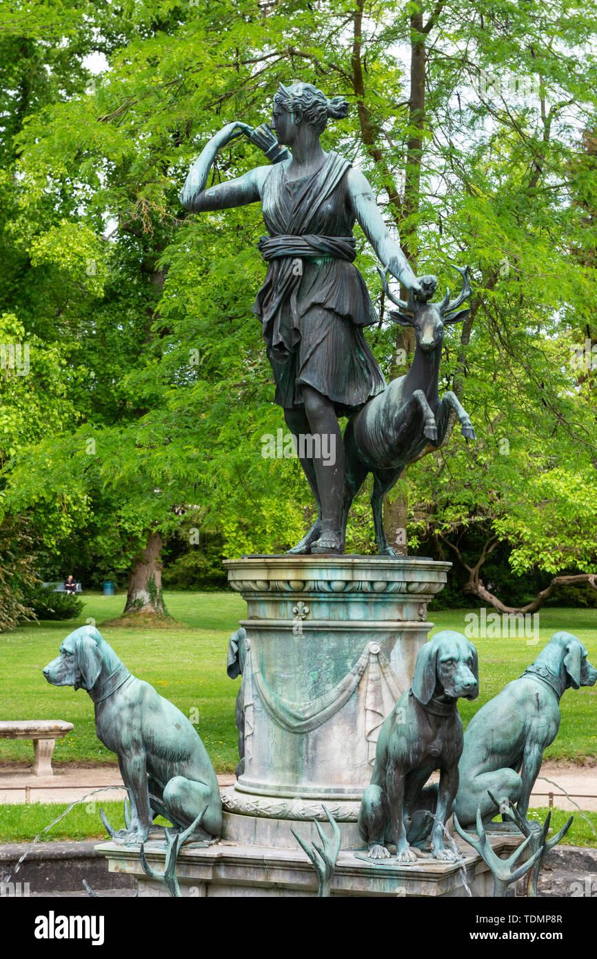 Diana fountain in Jardin de Diana, Château de Fontainebleau, Seine-et-Marne, Île-de-France region of France - Stock Image