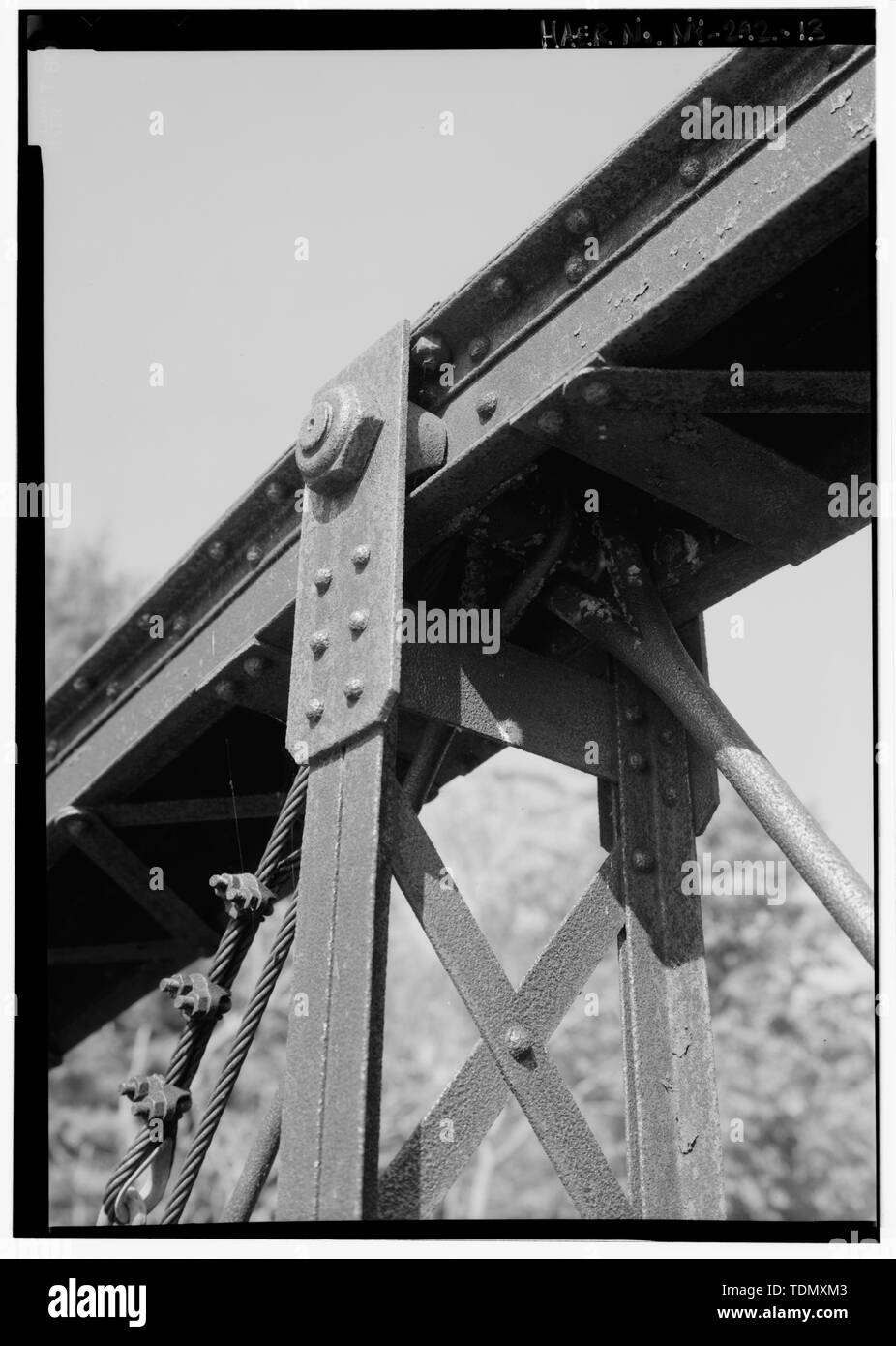 PIN CONNECTION, EYE BAR, AND LACED CHANNEL UPRIGHT CONNECTION. - Old Corinth Road Bridge, Spanning Sacandaga River at Corinth Road, Hadley, Saratoga County, NY - Stock Image