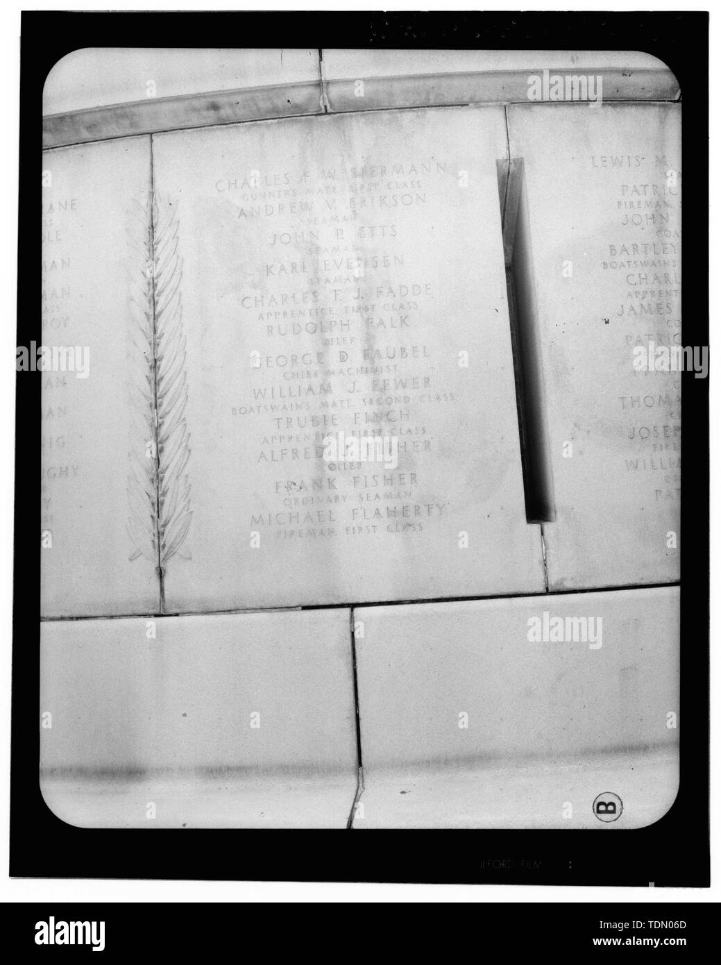 Panel 5 - Arlington National Cemetery, USS Maine Memorial, Arlington, Arlington County, VA; U.S. Army Corps of Engineers; Wyeth, Nathan C; Black, William M; Patrick, Mason M; Ferguson, H B; Bixby, W H; Goodson, W F; Lackawanna Steel Company; T.L. Huston Construction Company; Harris Brothers; Clark, D Lombillo; Primelles, Arturo; Rhodes, D H; Jenkins, Oliver B; Tilford, James D; Aleshire, J B; Stimson, H E; Scofield, John J; Hugh, R P; Houston, J B; Sharpe, Henry G; Downey, G F; Clem, L; Cosby, Spencer; Taft, William Howard; Commission of Fine Arts; Olmsted, Fredrick Law; French, Daniel Chester - Stock Image