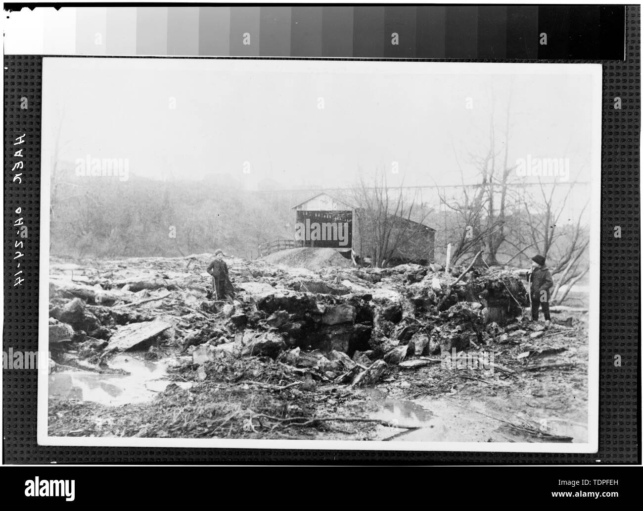 (from collection of Mrs. L.J. Fargo, Lexington, Ohio) showing ASHTABULA RIVER VALLEY FLOOR, 1896. - Forty-sixth Street Bridge, Spanning Ashtabula River, Ashtabula, Ashtabula County, OH - Stock Image