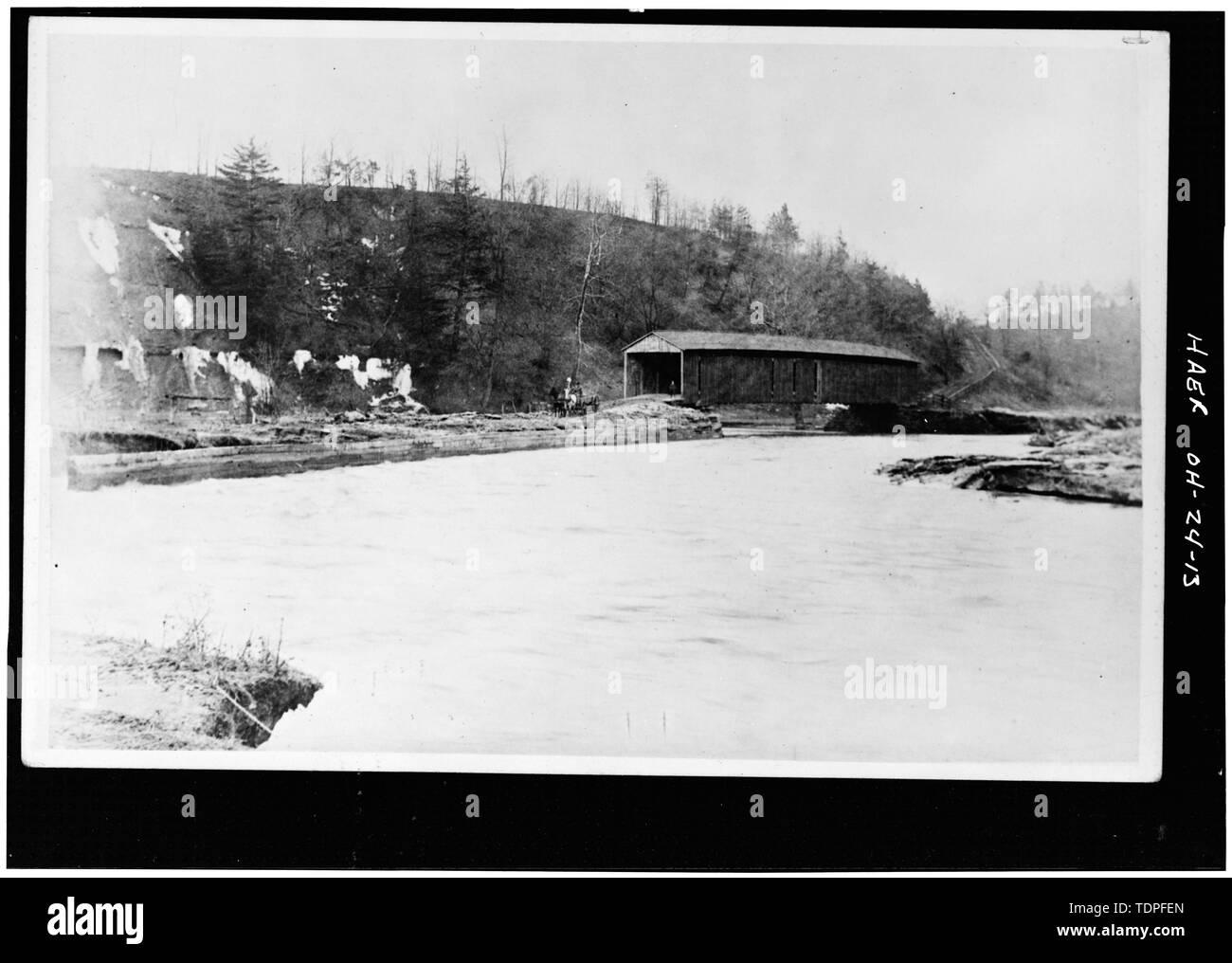 (from collectin of Mrs. L.J. Fargo, Lexington, Ohio) showing COVERED BRIDGE OVER ASTABULA RIVER. - Forty-sixth Street Bridge, Spanning Ashtabula River, Ashtabula, Ashtabula County, OH - Stock Image