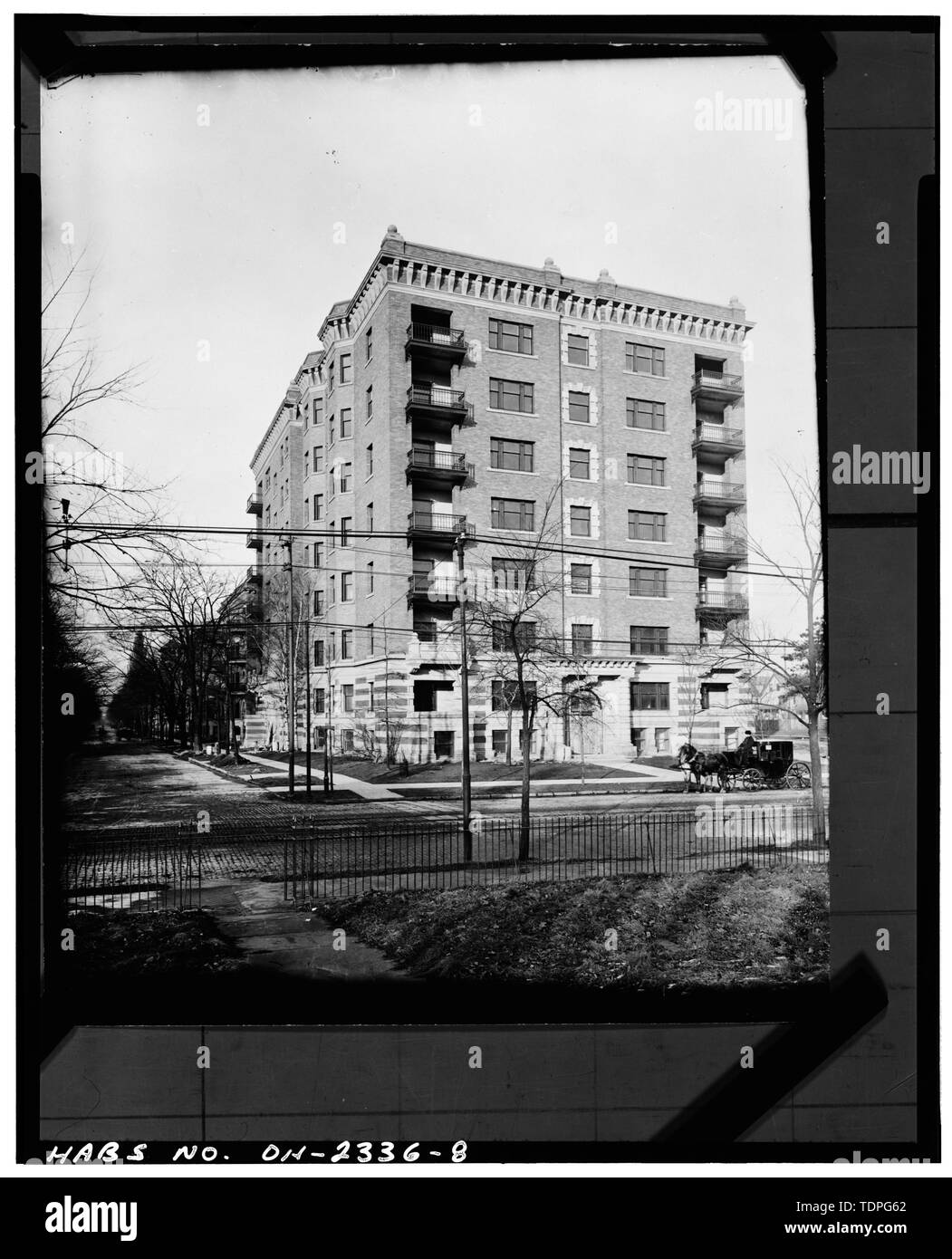 (original print in the Western Reserve Historical Society, Cleveland, Ohio), ca. 1905, photographer unknown FACADE AND WEST ELEVATION, LOOKING NORTHEAST - Hotel St. Regis, 8205 Euclid Avenue, Cleveland, Cuyahoga County, OH - Stock Image