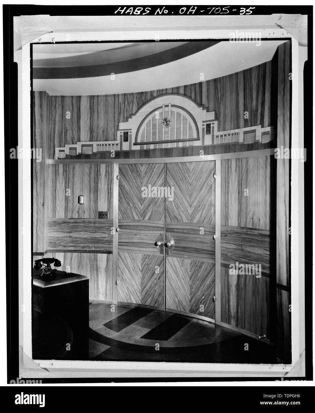 BOARD CHAIRMAN'S OFFICE, LOOKING SOUTH - Cincinnati Union Terminal, 1301 Western Avenue, Cincinnati, Hamilton County, OH Stock Photo