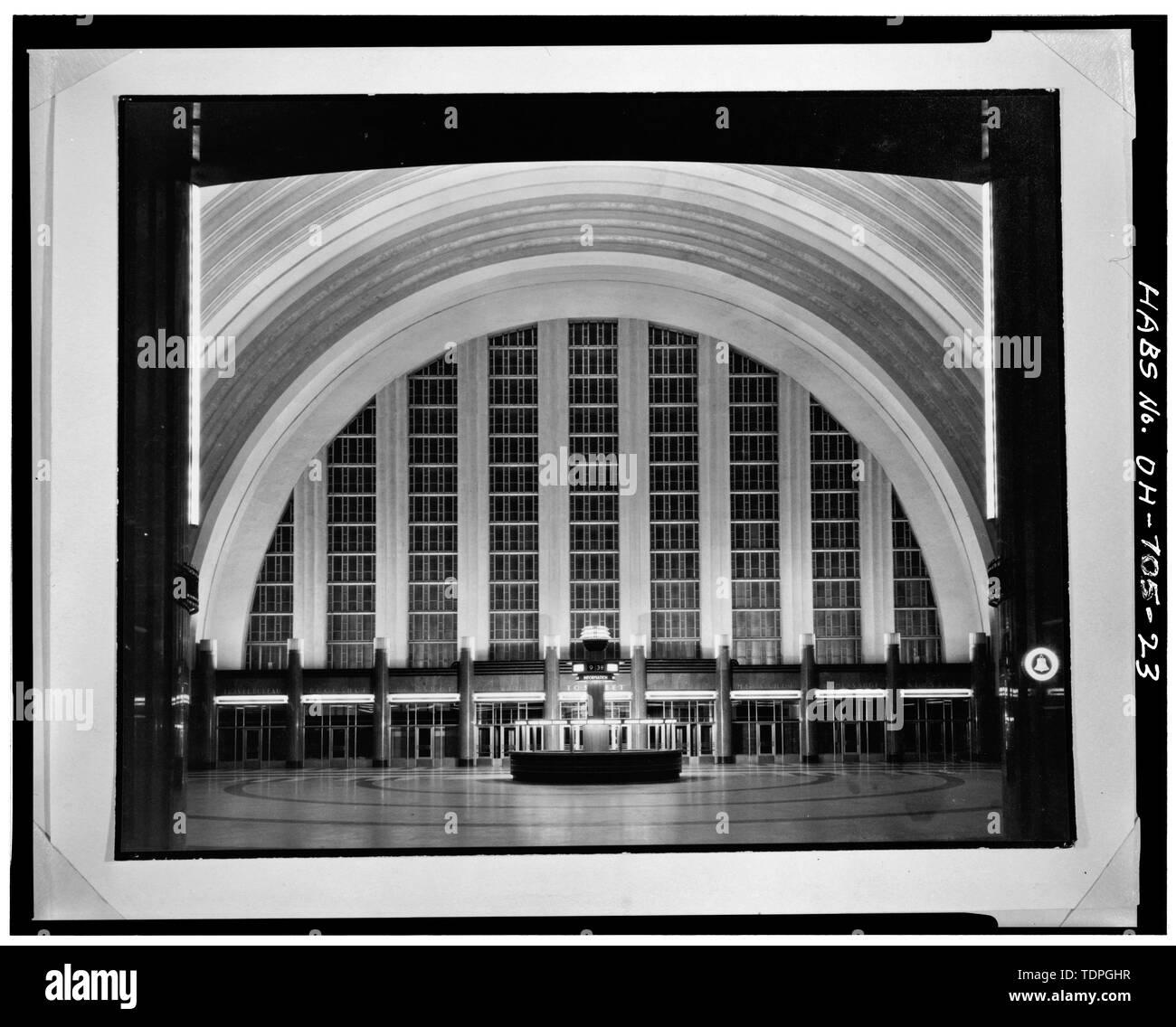 CONCOURSE, LOOKING EAST - Cincinnati Union Terminal, 1301 Western Avenue, Cincinnati, Hamilton County, OH - Stock Image