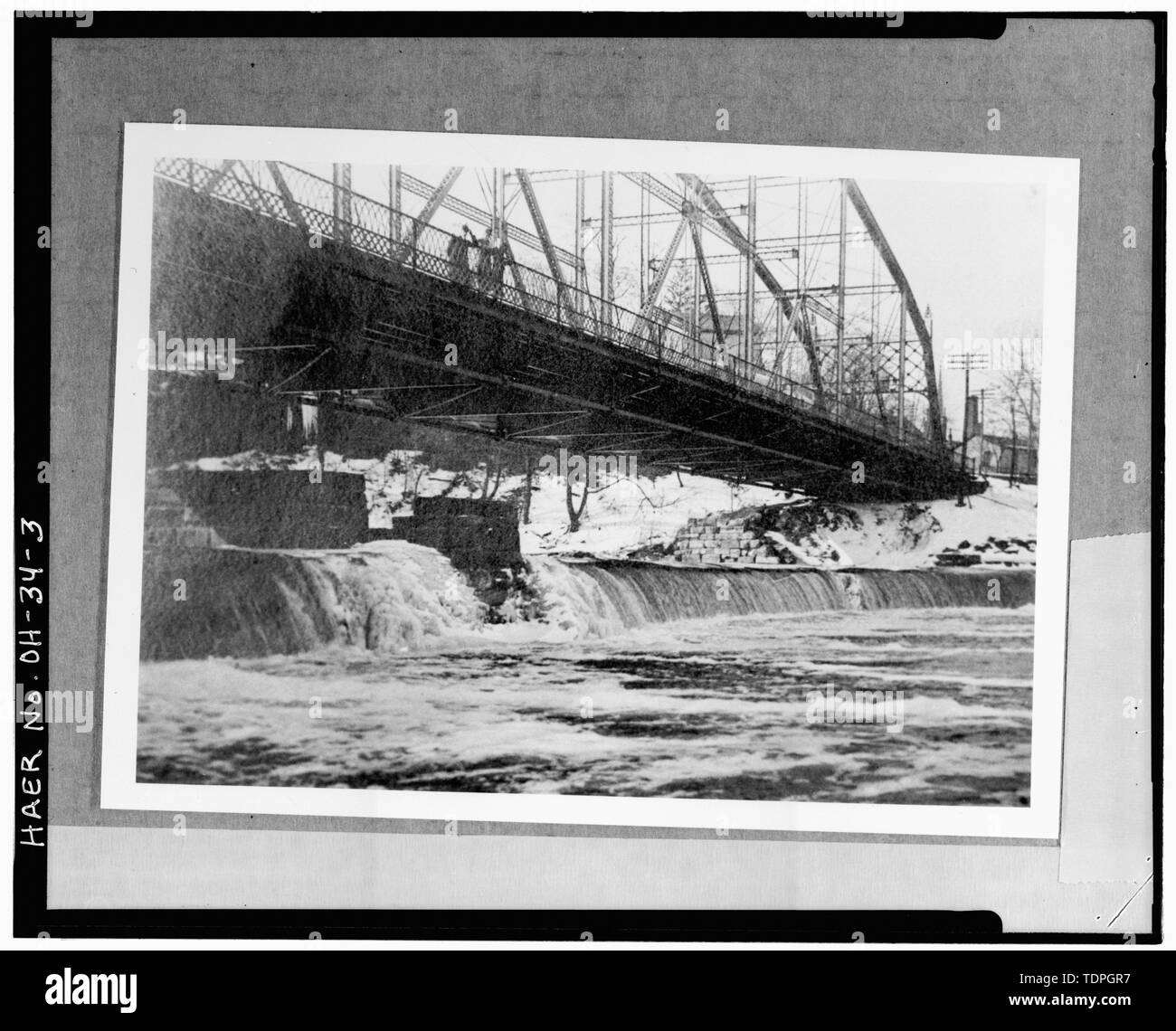 . VIEW WEST SHOWING NORTH ELEVATION - Main Street Bridge, Spanning Grand River at Main Street, Painesville, Lake County, OH - Stock Image