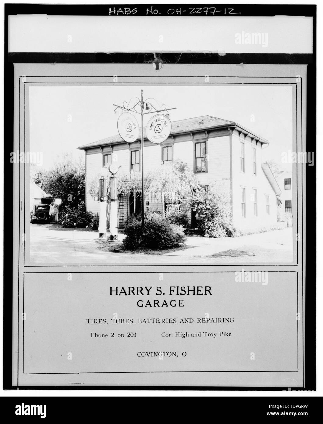 and calender (property of Carolyn Blankenship, Covington, Miami County, Ohio), photographer and date unknown, circa- 1935. VIEW SOUTHEAST, NORTH FRONT AND WEST SIDE, SHOWS HARRY S. FISHER - Martin Steinhilber House, 402 South High Street, Covington, Miami County, OH - Stock Image