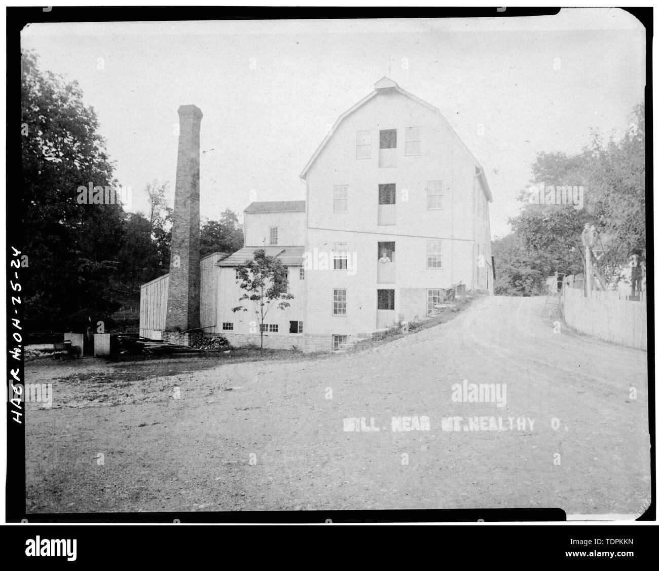 source and date unknown. VIEW FROM EAST SHOWING WEST ELEVATION OF MILL - Mount Healthy Mill, Covered Bridge Road, Mount Healthy, Hamilton County, OH - Stock Image