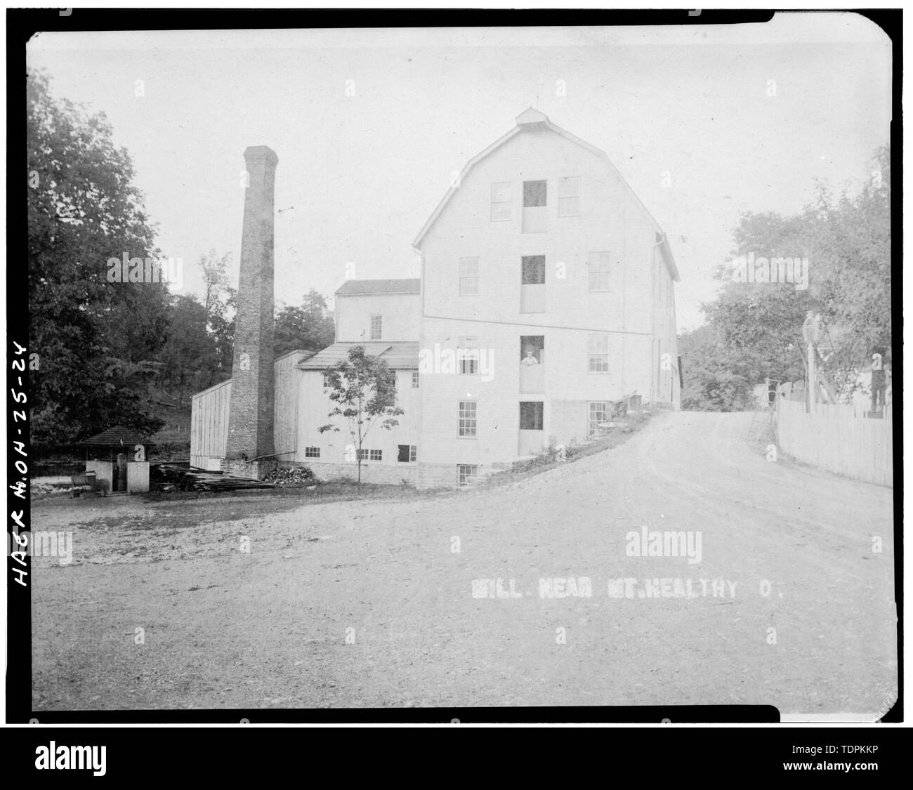 source and date unknown. VIEW FROM EAST SHOWING WEST ELEVATION OF MILL AND COVERED BRIDGE - Mount Healthy Mill, Covered Bridge Road, Mount Healthy, Hamilton County, OH - Stock Image