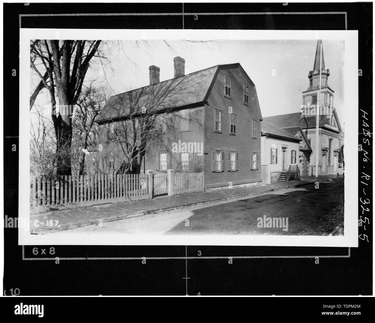Photocopy of unattributed and undated old photograph, source not noted. VIEW SHOWING ORIGINAL SPIRE, 1875-1946 - Second Congregational Church, 13-17 Clarke Street, Newport, Newport County, RI; Palmer, Cotton; Central Baptist Society; Stiles, Ezra - Stock Image