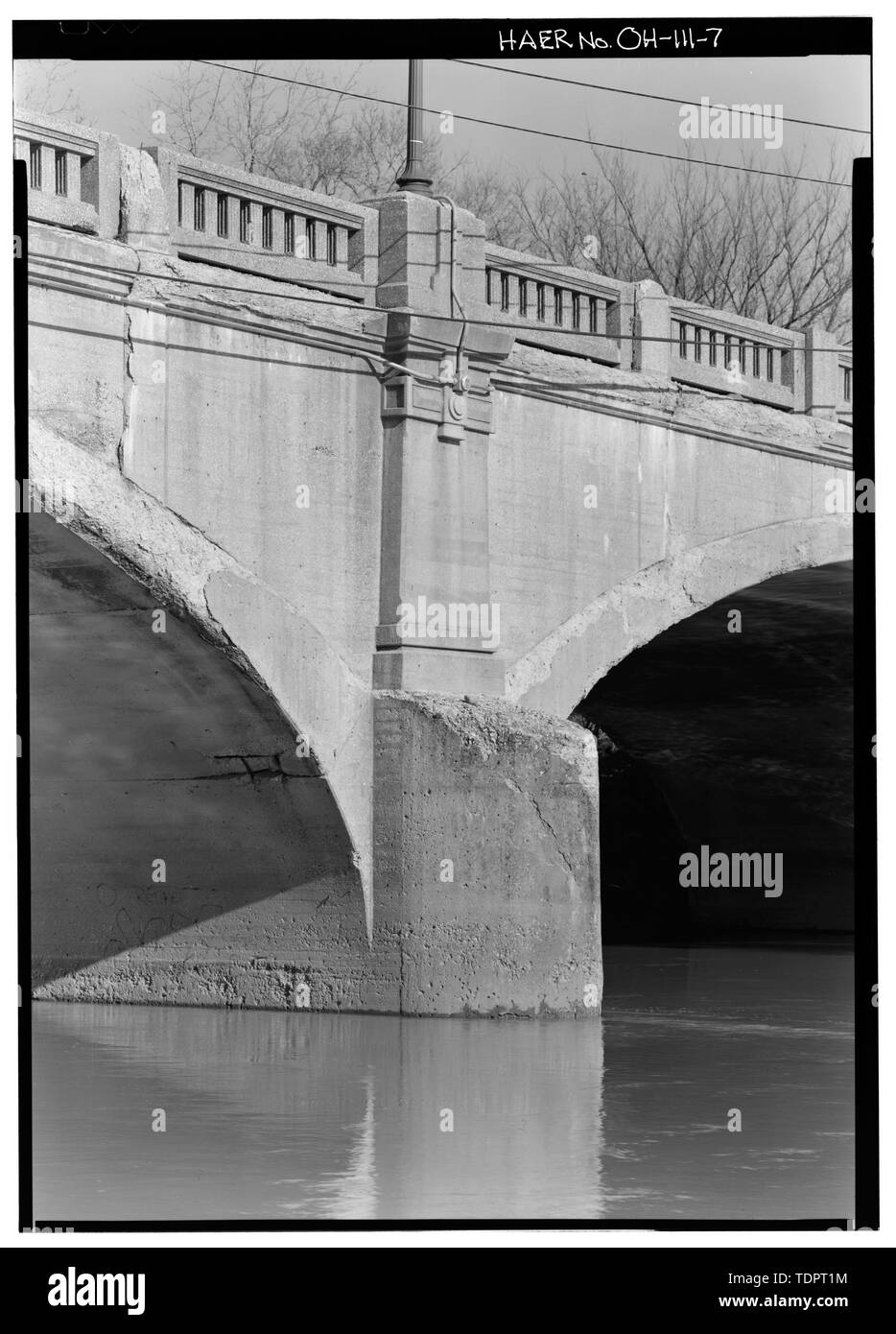 Pier detail. - Third Avenue Bridge, Spanning Olentangy River of West Third Avenue, Columbus, Franklin County, OH - Stock Image