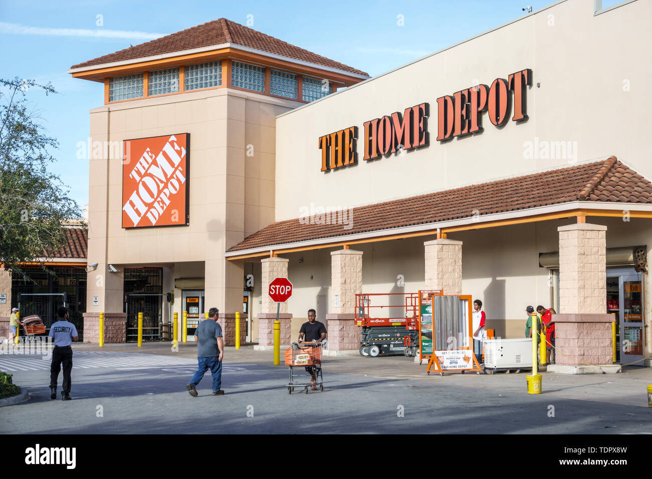Hardware Store Exterior High Resolution Stock Photography And Images Alamy