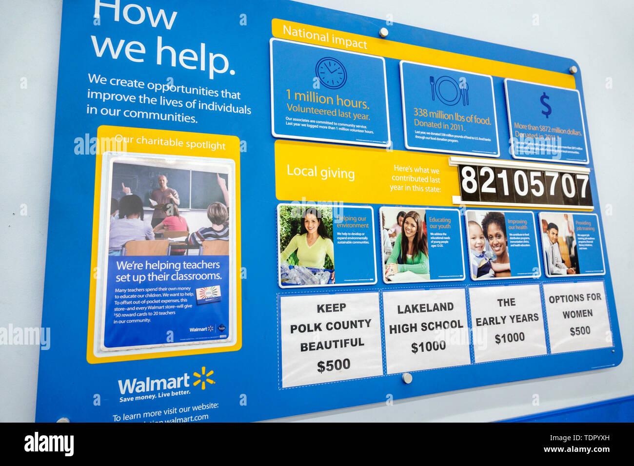 Walmart Employee Stock Photos & Walmart Employee Stock Images - Alamy