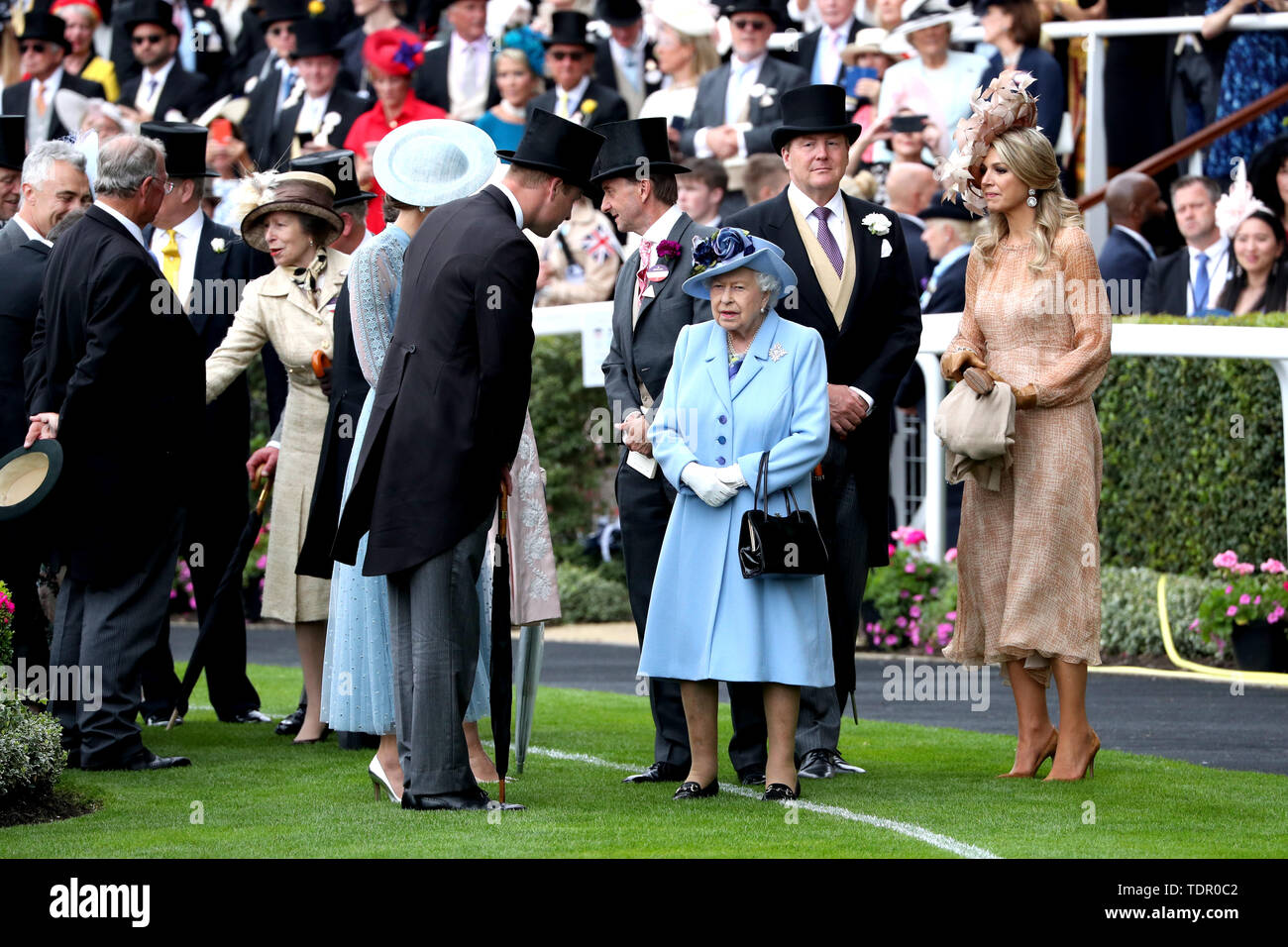 The Princess Royal, Anne (fourth left), The Duchess of Cambridge, Duke of Cambridge, Queen Elizabeth II, King Willem-Alexander of the Netherlands and Queen Maxima of the Netherlands attending day one of Royal Ascot at Ascot Racecourse. Stock Photo