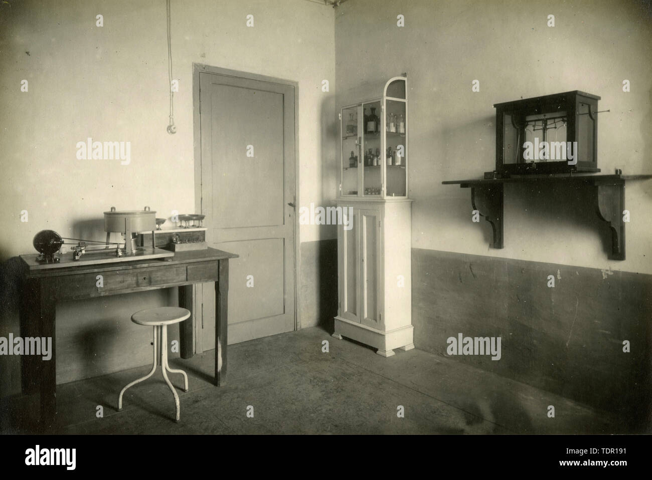 Microscopy and Chemical Laboratory at the Air Force Medical Laboratory Montecelio, Rome, Italy 1920s - Stock Image
