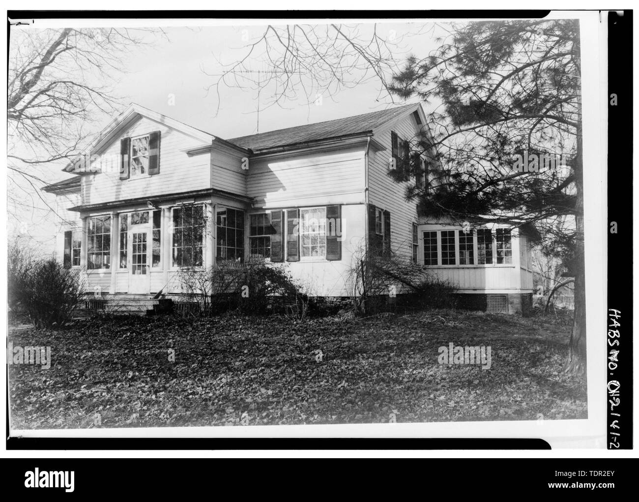 Photograph of photograph by Steckel Photographers, February 10, 1973. Original print in Field Records. SOUTHEAST ELEVATION, GENERAL VIEW. - Abbott-Page House, Mason Road, State Route 13 vicinity, Milan, Erie County, OH - Stock Image